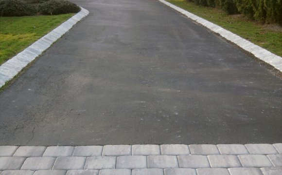 Driveway with Pavers and
