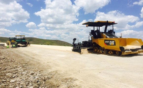Cat Asphalt Machinery Service