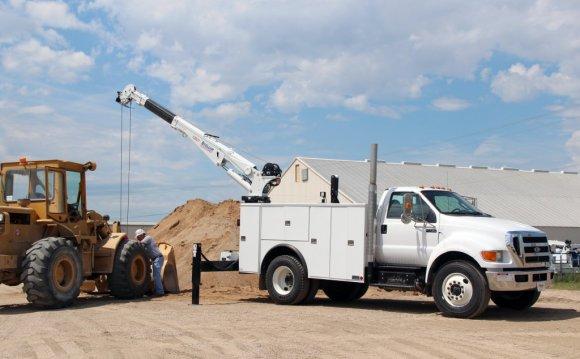 Any telescoping service truck