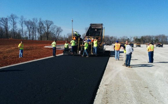 [PICS] Laying Asphalt on