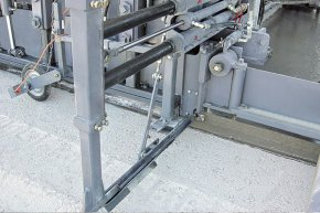 The side tie club inserter drives connect bars laterally in to the tangible slab