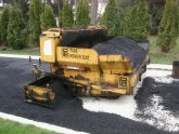 Asphalt spreader