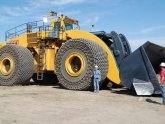 Big Earth Moving Machines